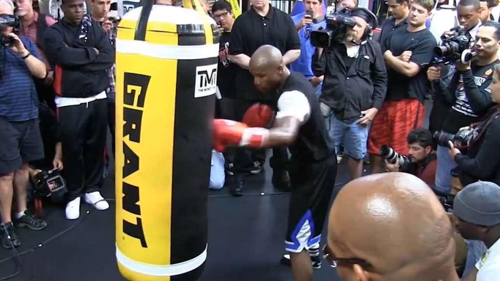 Floyd Mayweather Heavy Bag work
